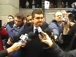courthouse-media-scrum